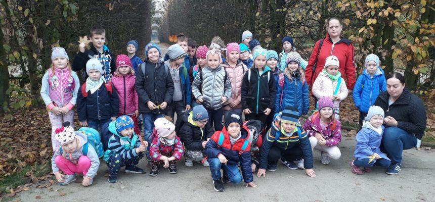 Jesienna wycieczka dzieci z Dzielic