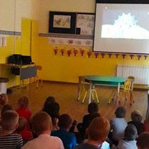Przedszkolaki w krainie baśni – teatr internetowy