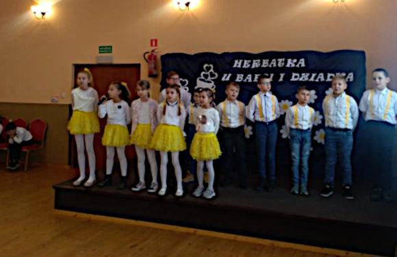 Dzień Babci i Dziadka w Szkole Filialnej w Grębowie