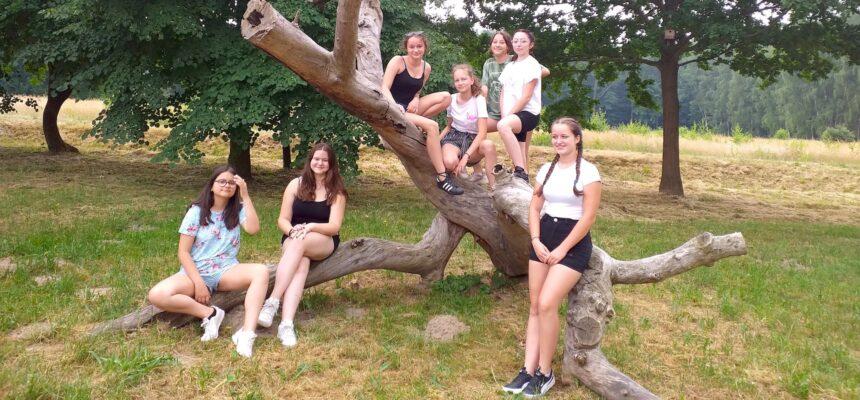 Wycieczka klas VIII do Ośrodka Edukacji Przyrodniczo-Leśnej w Wałkowej