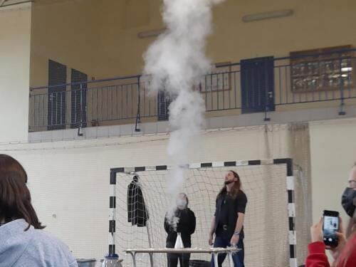 """""""Siła ognia"""" - pokaz chemiczny"""